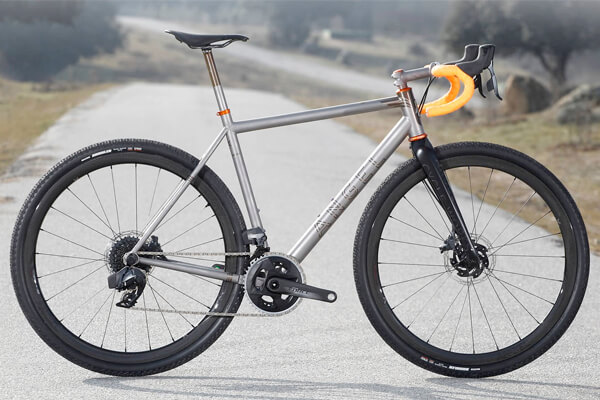 Bici de titanio Angel Cycle Works